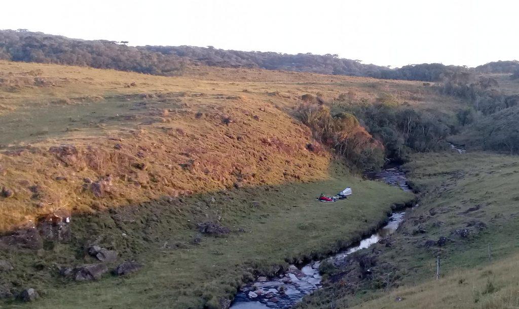 trilha com acampamento dicas