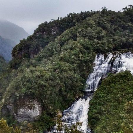 canion cachoeira vale natureza