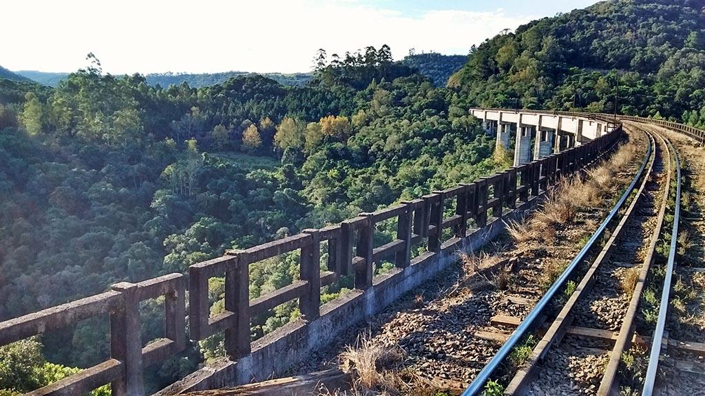 viaduto dois lajeado ferrovia trigo