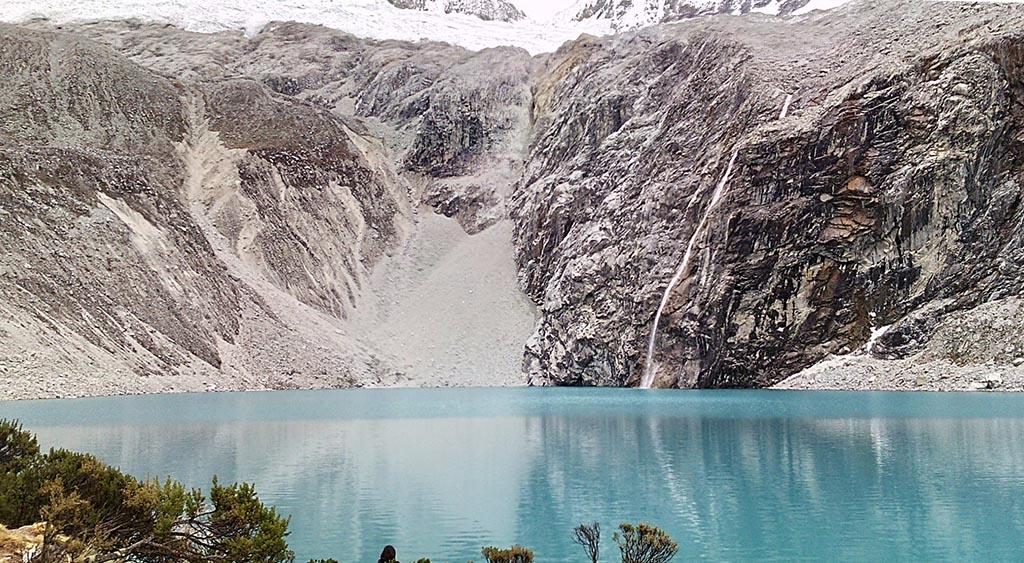 lagoa neve montanha