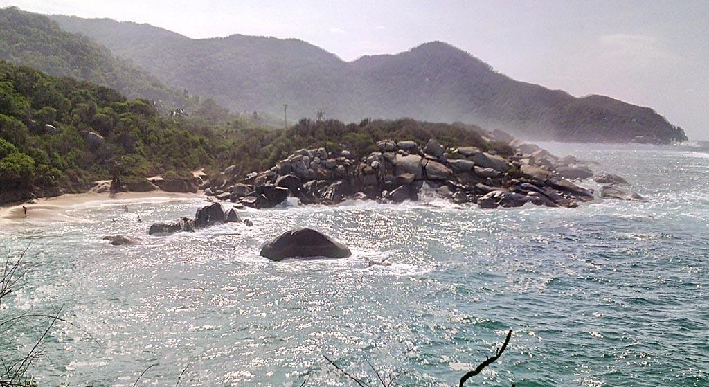 mar ondas praia