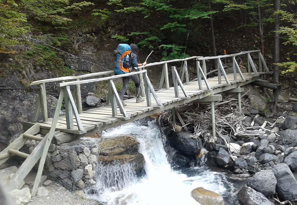 ponte mulher agua