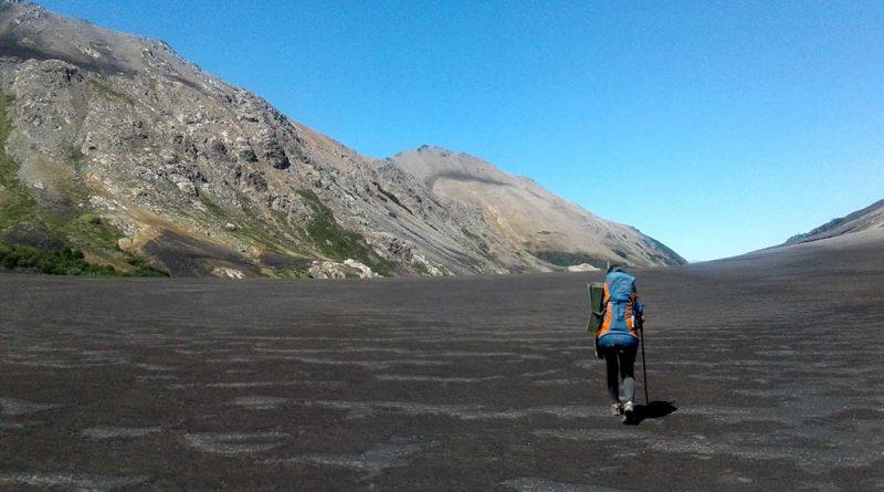 mulher trekking
