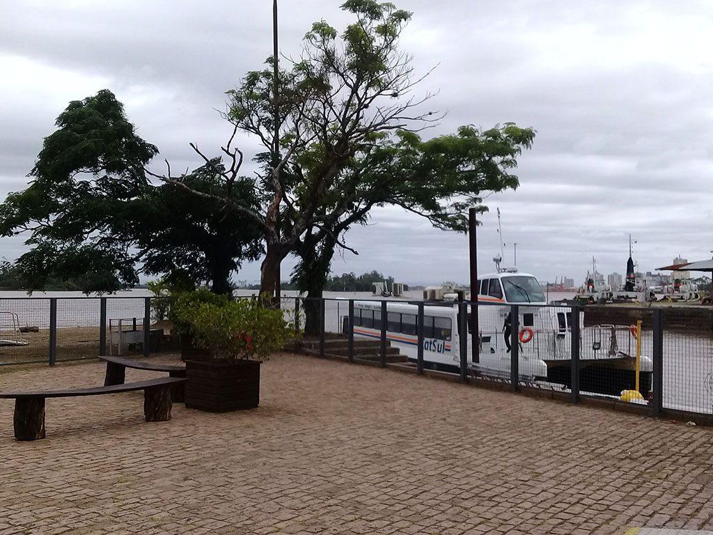 passeio catamarã orla do guaíba