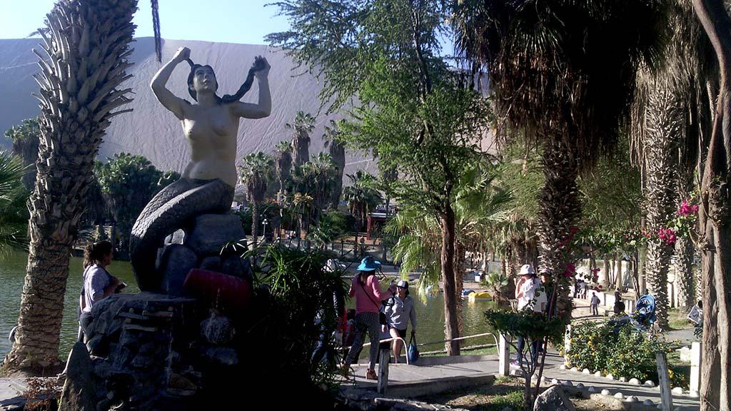 cidade de huacachina peru